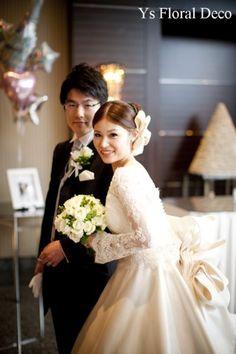 バラと実もののクラッチブーケ ys floral deco @マンダリンオリエンタル東京