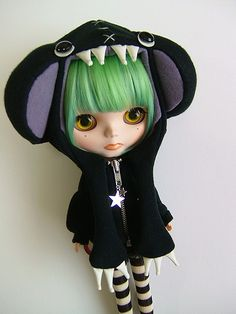 Custom Blythe Doll by Hiroyuki Sano - Doll in Monster Costume