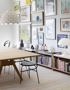 Get inspired by these dining room decor ideas! From dining room furniture ideas, dining room lighting inspirations and the best dining room decor inspirations, you'll find everything here! Dining Room Walls, Dining Room Lighting, Dining Room Design, Dining Area, Dining Table, Dining Room Picture Wall, Picture Walls, Table Lighting, Scandinavian Interior