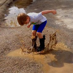 Mud puddles ROCK! I remember so many play days after the rain.  Memories