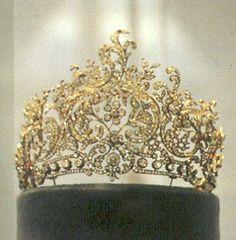 Corone diademi e gioielli storici on pinterest tiaras for Tiara di diamanti