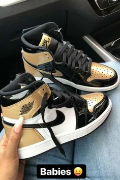Dr Shoes, Cute Nike Shoes, Swag Shoes, Nike Air Shoes, Hype Shoes, Sneakers Mode, Cute Sneakers, Sneakers Fashion, Shoes Sneakers