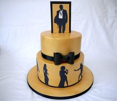 A cake to celebrate a 50th birthday – the theme of the party was James Bond and the colours were gold and black – so this is what i came up with! Im so thrilled with how it turned out – the gold was acheieved with PME gold lustre spray in a can –...