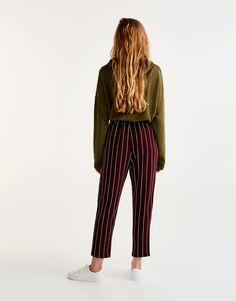 Spodnie tailoring z paskiem do zawiązania - Spodnie - Odzież - Dla Niej - PULL&BEAR Polska