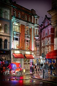 Beautiful Soho at night! Soho, London. Art Tour of Soho: 12 Stops in London's Most Artistic District on TheCultureTrip.com. Click the image to read the article. (Image via 99traveltips.com)