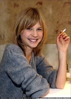 Picture of Clémence Poésy Clemence Poesie, Parisian Chic Style, Jeanne Damas, Teresa Palmer, French Beauty, French Actress, Grey Hair, Hairstyles With Bangs, Hair Day