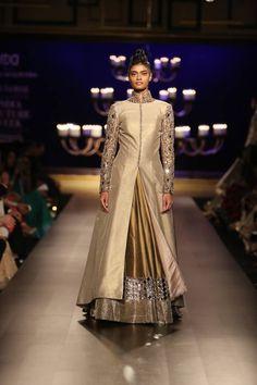 Manish Malhotra at India Couture Week 2014 - beige gold long jacket lehnga Indian Gowns, Indian Attire, Indian Wear, Indian Outfits, Emo Outfits, Indian Fashion Designers, Indian Designer Wear, Manish Malhotra Dresses, Manish Malhotra Bridal