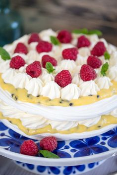 Swedish Recipes, Sweet Recipes, Cake Recipes, Dessert Recipes, Dessert Drinks, Pavlova, No Bake Desserts, No Bake Cake, How To Make Cake