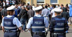 Merkel-Regime reagiert auf Migranten-Morde: Weniger Polizisten und mehr Sozialarbeiter