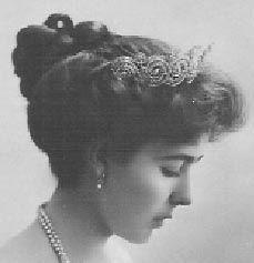 Tiara Mania: Khedive of Egypt Tiara worn by Crown Princess Margareta of Sweden Royal Crowns, Royal Tiaras, Royal Jewels, Tiaras And Crowns, Crown Jewels, Greek Royal Family, Danish Royal Family, Princess Alexandra, Princess Margaret