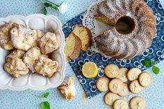 Slavnostně prostřený stůl, pocukrovaná bábovka, sušenky k odpolednímu čaji nebo poctivě připravené kynuté koláče? Pochutnejte si jako za první republiky.