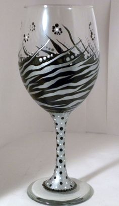 Silver Tiger Wine Glass by GranArt on Etsy, Fancy Wine Glasses, Custom Wine Glasses, Decorated Wine Glasses, Hand Painted Wine Glasses, Wine Glass Crafts, Wine Craft, Glass Design, Decoration, Glass Art