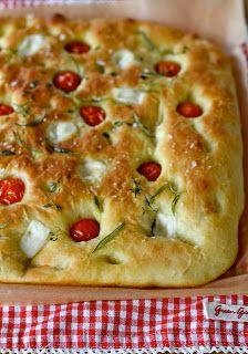 Belle Baie: Focaccia Finnish Recipes, Sicilian Recipes, Sicilian Food, Savoury Baking, Bread Baking, Manado, Scd Recipes, Artisan Bread, Dinner Rolls