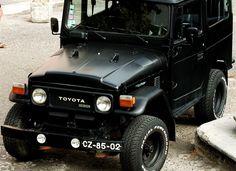 Black Toyota Land Cruiser (40 series).jpg