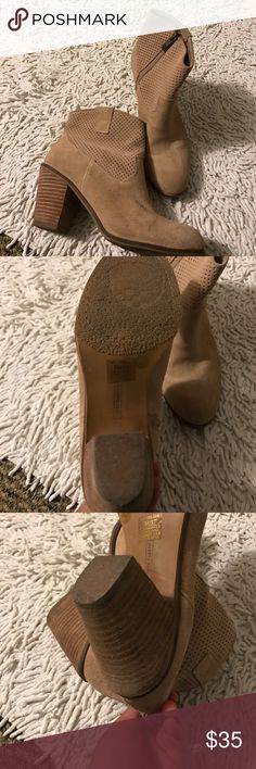 Vince Camuto tan beige booties Worn twice, still in great condition, some jeans markings as shown in pictures, size 7, leather upper, heel height is appx. 2.5 inches. Super cute and chic. Zipper detailing Vince Camuto Shoes Ankle Boots & Booties