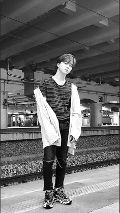 Jay iKON wallpaper Eunji Apink, Ikon Member, Ikon Kpop, Ikon Wallpaper, Kim Ji Won, Kim Hanbin, Yg Entertainment, Boyfriend Material