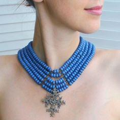 Годлевська Наталія Керамічне намисто з гуцульським хрестом Код: GODN64  Матеріали: керамічні намистини, гуцульський хрест