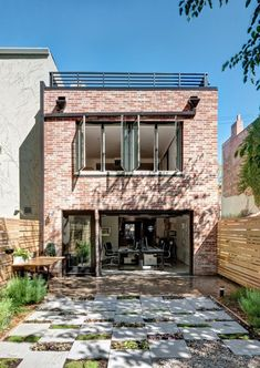 Renovated Brooklyn Home with Brick Walls by Gradient Design Studio Casa Loft, Flood Zone, Dream Decor, Interior And Exterior, Townhouse, My House, Architecture Design, Modern Design, New Homes