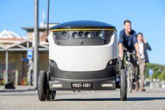 Roboter halten schrittweise Einzug in die Postbranche. In der Schweiz testet nun das Staatsunternehmen Lieferroboter. Die Vehikel können sechs Kilometer weit fahren. #Zustellroboter #Lieferroboter