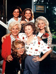 Sally Field, Julia Roberts, Dolly Parton, Shirley MacLaine, Darryl Hannah and Olympia Dukakis in a promo shot for Steel Magnolias Steel Magnolias Quotes, Steel Magnolias 1989, Movies Showing, Movies And Tv Shows, Coming To Theaters, Female Friendship, Shirley Maclaine, Cinema, Popular Stories