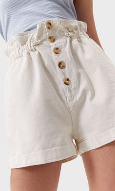 Diy Clothes, Beach Clothes, Pretty Outfits, White Shorts, Short Dresses, Rompers, Street Style, Women Shorts, Illustration