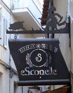 *Enseigne à Bonifacio, Corse, France*