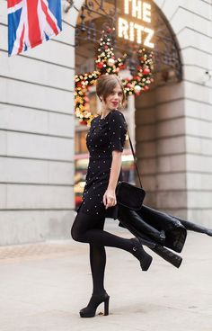 (via The Ritz Carrie, Fashion Art, Fashion Beauty, Fashion Looks, Womens Fashion, Yves Saint Laurent, New Street Style, Louis Vuitton, Retro
