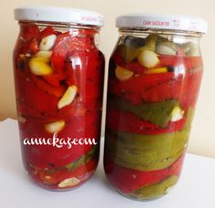 Winter preparations: Red and green roasted peppers - - Pasta Recipes, Cooking Recipes, Marinated Olives, Turkish Kitchen, Pickling Cucumbers, Tomato Vegetable, Roasted Peppers, Seasonal Food, Turkish Recipes