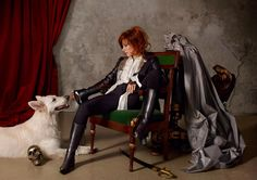 Désobéissance (2018) - Galeries photos - MonAlice - Mylène Farmer White Dogs, Farmer, Famous People, Painting, Multimedia, Singers, Bands, Jean Baptiste, Staging