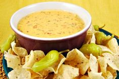 Chicken nacho dip (we don't add sour cream) Dip Recipes, Mexican Food Recipes, Crockpot Recipes, Cooking Recipes, Recipies, Dip Crockpot, Copykat Recipes, Easy Recipes, Nacho Dip