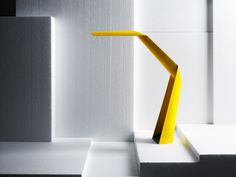 This high-tech LED task light has its entire structure made of bio-degradable paper. It is built from sandwiched paper sheets of DuraPulp, a mix of paper pulp and starch polymer. For being paper, it is very strong and durable. But the folded geometry of the lamp also makes for rigidity, and is not just for sculptural effect.
