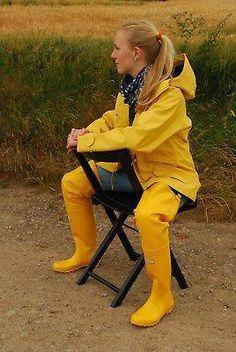 club rubberboots and waders 4 Hunter Wellies, Wellies Rain Boots, Hunter Boots, Fishing Boots, Rubber Raincoats, Rain Suit, Rain Jacket Women, Yellow Raincoat, Rain Gear