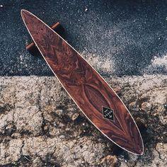 Ver esta foto do Instagram de @longboarddancing • 2,197 curtidas Longboard Design, Longboard Decks, Skateboard Design, Skateboard Decks, Cruiser Skateboards, Cool Skateboards, Skates, Longboards, Long Skate