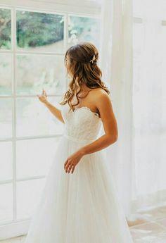 Bruidsjurk van Watters. Deze Agatha trouwjurk van Watters heeft een sweetheart neckline en oogt door z'n luchtige tule rok heel romantisch..
