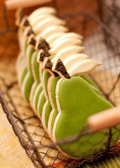 Anjou Pear fashion | Anjou Pear Cookies #springforpears #usapears