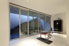 menuiserie aluminium portes et fen tres pinterest menuiserie aluminium menuiserie et. Black Bedroom Furniture Sets. Home Design Ideas