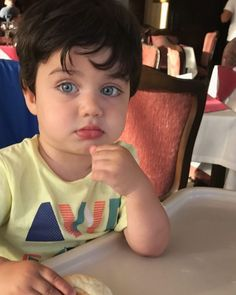 Cute Baby Boy, Cute Little Baby, Little Babies, Cute Boys, Cute Babies, Baby Kids, Baby Boy Photos, Cute Baby Pictures, Blonde Kids