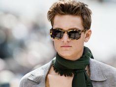 57 Newest Eyewear Trends for Men & Women 2019 Burberry Sunglasses, Stylish Sunglasses, Mens Sunglasses, Latest Mens Fashion, New Fashion, Winter Fashion, Fashion 2016, Fashion Trends, Hippie Look