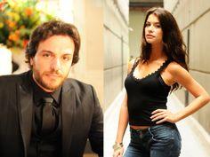 Os atores Rodrigo Lombardi e Alinne Moraes foram escolhidos pela revista Istoé Gente como a dupla mais sexy do ano. Atualmente os dois fazem sucesso na macrossérie O Astro, ela como Lili e ele como Herculano Quintanilha.