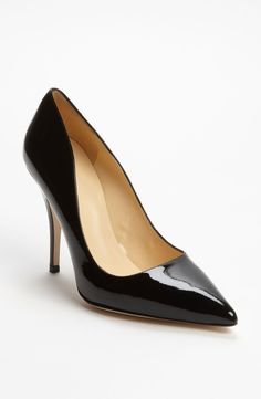 The perfect black pump