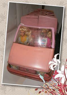 Barbie Magical Motorhome  Mattel 1990 Casa Rodante convertible en auto buggy  incluye accesorios y ropa tiempo libre vacaciones y camping + mobiliario interno del motorhome.