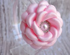 La muchacha de flor diadema accesorios de por LilMajestyBoutique