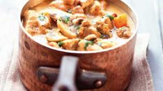 Old-fashioned veal stew: discover the cooking recipes of Femme Actuelle Le MAG - Blanquette of old-fashioned veal More - Beef Steak Recipes, Stew Meat Recipes, Healthy Crockpot Recipes, Cooking Recipes, Easy Recipes, Fusilli, Vegetarian One Pot Meals, Crockpot Beef And Broccoli, Veal Stew