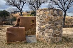 Outdoor Shower Front View - built from cob / strawbale / adobe / clay plaster by… Outdoor Toilet, Outdoor Baths, Outdoor Showers, Outdoor Spaces, Outdoor Living, Earth Bag Homes, Off Grid Cabin, Garden Shower, Natural Homes