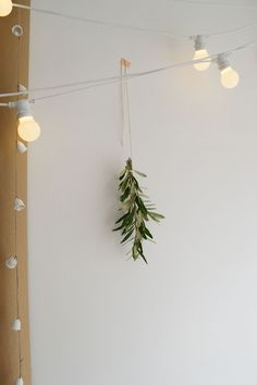 Tips for styling the natural, Nordic look for Christmas in your home.