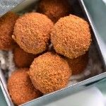Cinnamon pecan truffles-uses homemade date paste. I don't even know where to buy dates.