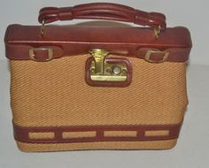 Straw & Vinyl Trimmed Doctor Style Purse $40 - QuirkyFinds.com