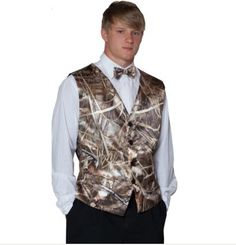 Realtree Camo Men's vest is perfect for the next big event in your life!