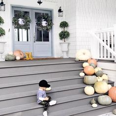 This is so cute — everything about it @jillian.harris  Halloween porch decor