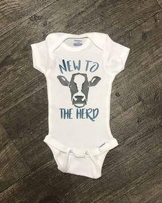 Baby boy diy clothes onesies children Ideas for 2019 Little Boy Outfits, Baby Boy Outfits, Kids Outfits, Baby Boy Fashion, Kids Fashion, Cute Babies, Baby Kids, Baby Baby, Baby Vest